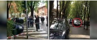 Agguato in centro a Milano, l'auto col finestrino distrutto in mezzo alla strada: le prime immagini dopo la sparatoria