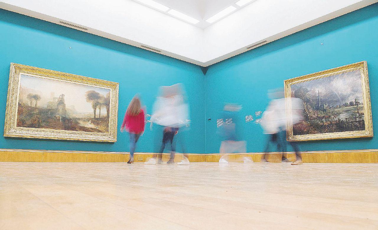 Fermi tutti: ora la Tate impone la visione lenta