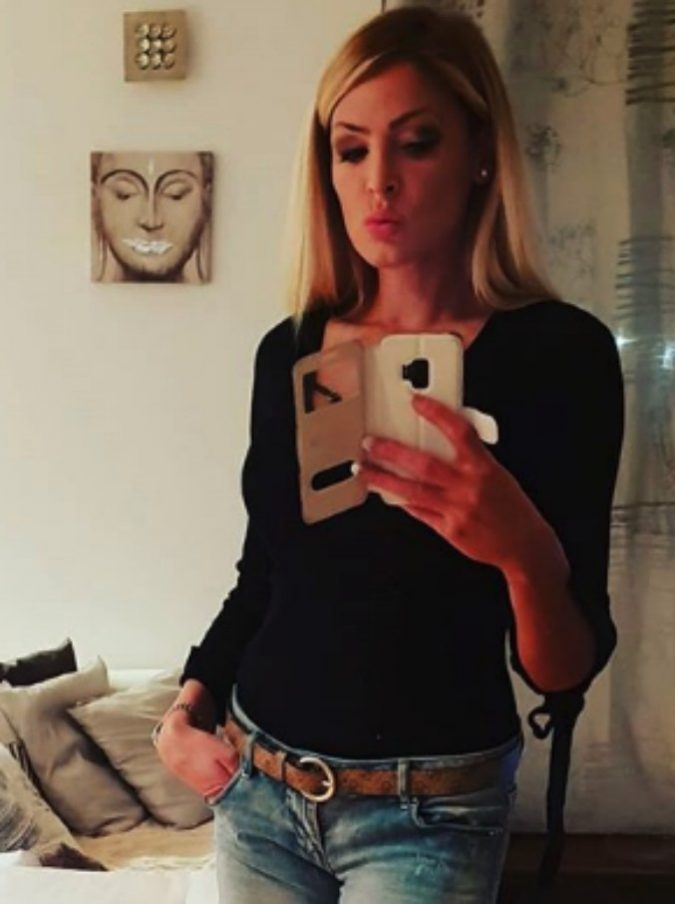 Kyra Kole, arrestata la soubrette di Ciao Darwin: ha avviato un giro di prostituzione in un centro massaggi