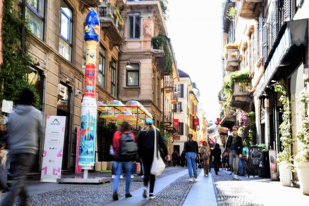 Milano, installazione AVIO per il salone del Mobile