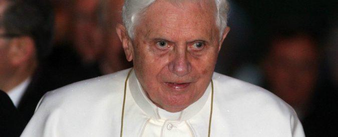 Pedofilia: e se non fosse Ratzinger l'autore di quel 'manifesto'? Anche altri Papi hanno avuto ghostwriter