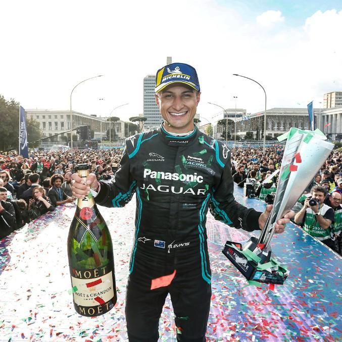 Formula E, a Roma vince Mitch Evans del team Panasonic Jaguar