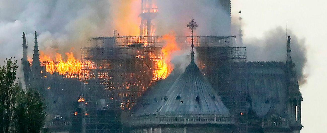 Incendio Notre-Dame, iniziata la raccolta fondi. Le donazioni private per la ricostruzione superano già i 600 milioni