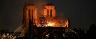 """Parigi, incendio divora la cattedrale di Notre-Dame: collassati guglia e tetto. """"La struttura portante è salva"""""""