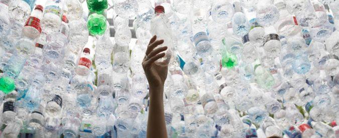 Borracce all'università? Nei luoghi educativi le bottigliette di plastica andrebberoeliminate