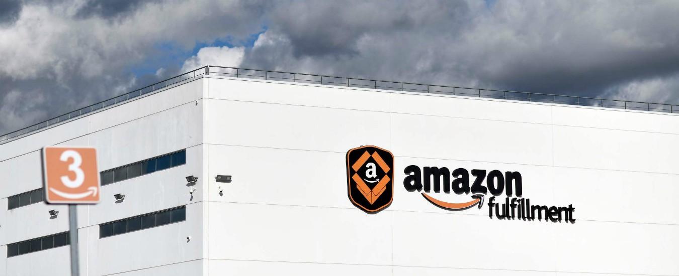 """Amazon, """"dipendenti licenziati in base all'algoritmo che misura la produttività"""""""