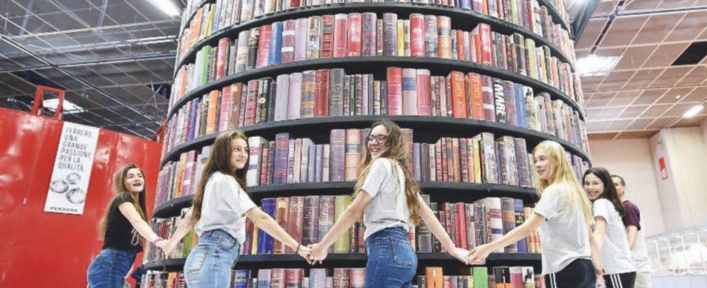 """Salone del Libro, la seduzione dietro il """"nazional-popolare"""""""