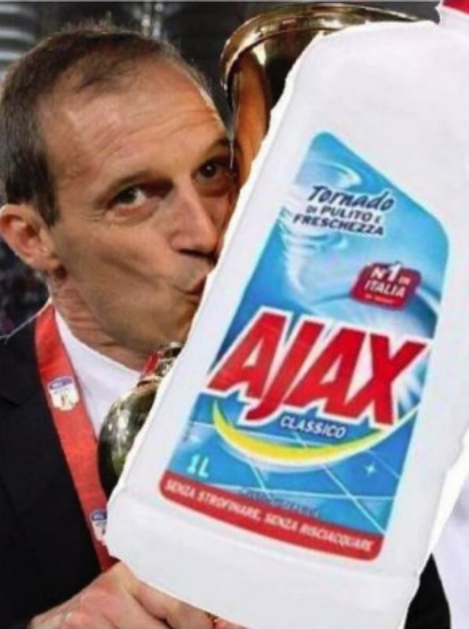 """Juventus-Ajax, dopo la sconfitta dei bianconeri sui social si scatena l'ironia: """"Diamogli la Champions di cittadinanza"""""""