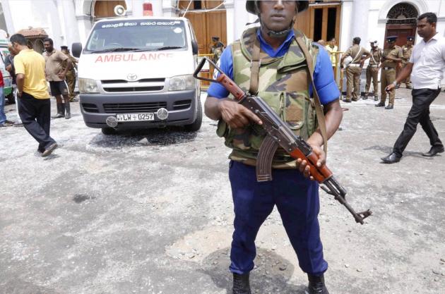 Sri Lanka, attentati coordinati in chiese e hotel: almeno 20