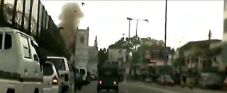 Attentato Sri Lanka, il momento dell'esplosione nella chiesa di Sant'Antonio. Il video ripreso da un'auto