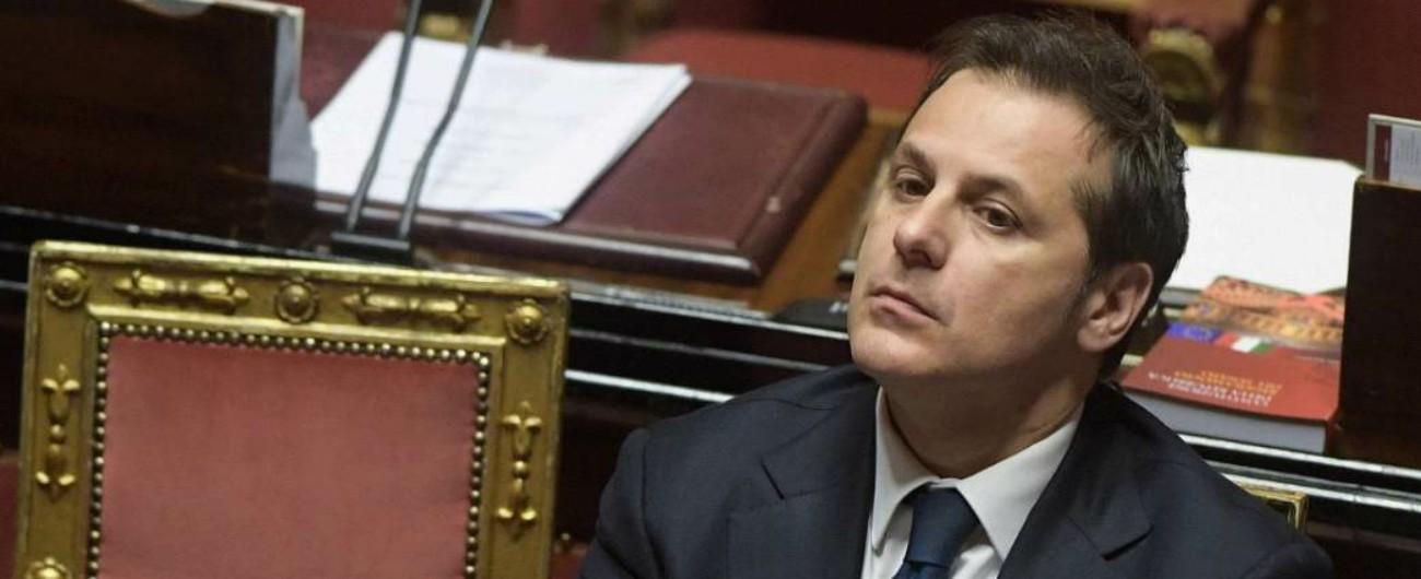 """Siri, M5s: """"Nei Paesi normali sulla mafia non si tratta. Se non va via, Conte deve allontanarlo"""". Salvini: """"Panna montata"""""""