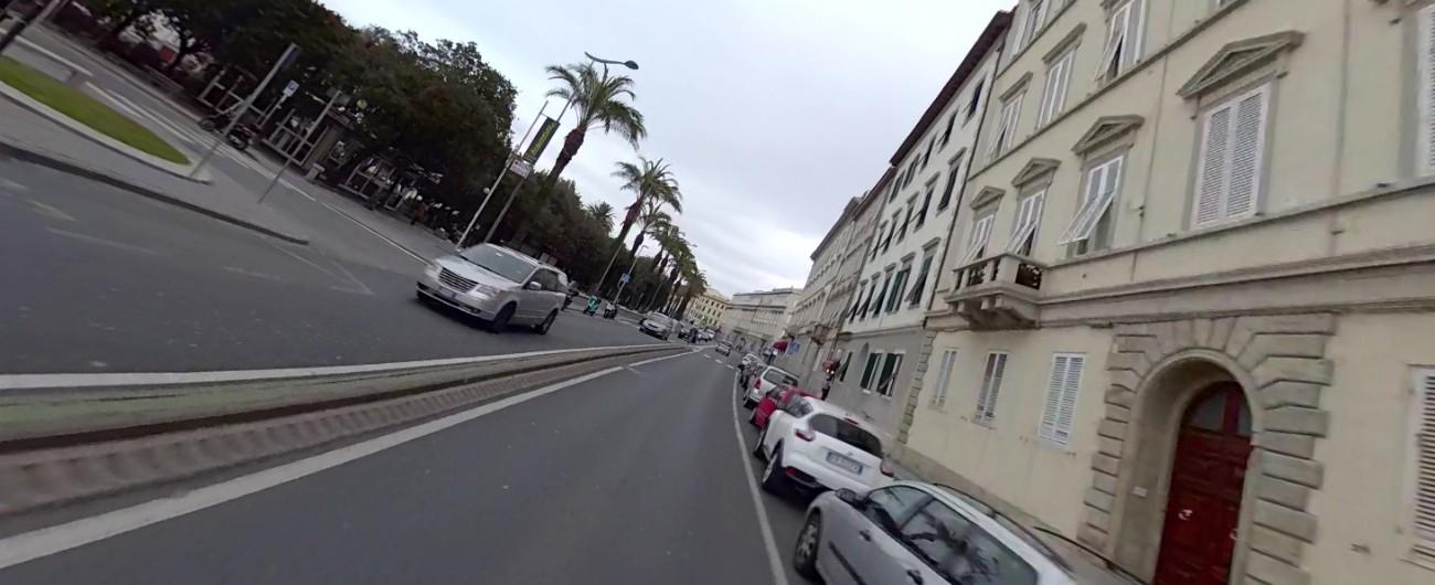 """Livorno, candidato sindaco leghista lancia il """"prima i livornesi"""" per parcheggi sul lungomare: """"Posti riservati e gratuiti"""""""