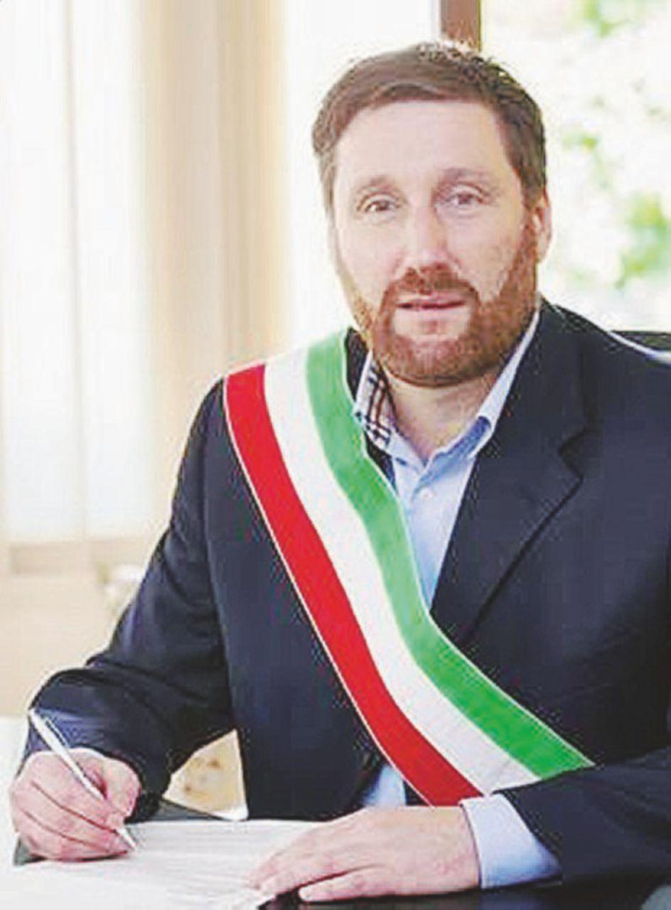 In Edicola sul Fatto del 23 Aprile: Salvini colleziona impresentabili: anche a Pasquetta sta con l'indagato