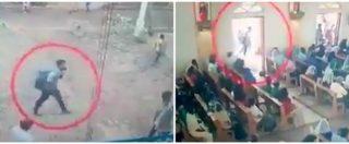 Sri Lanka, il momento in cui il presunto attentatore entra in chiesa con uno zaino sulle spalle: le immagini