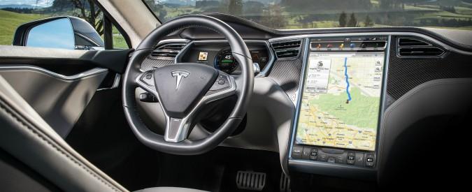 "Guida autonoma, Elon Musk: ""entro due anni i primi robotaxi senza conducente"""