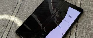 Samsung rinvia il lancio dello smartphone pieghevole Galaxy Fold: gli schermi si rompevano