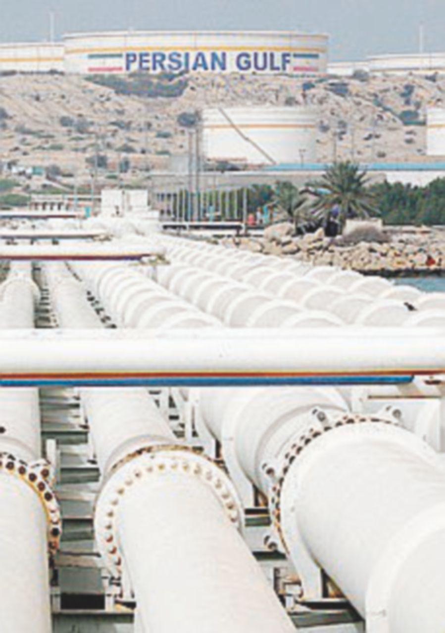 Petrolio ai massimi dopo l'annuncio di Trump contro l'Iran