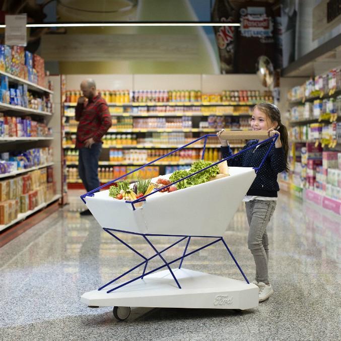 Ford Self-Braking Trolley, il carrello della spesa che frena da solo – FOTO e VIDEO