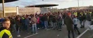 Milan-Lazio, i cori razzisti dei tifosi biancocelesti contro Bakayoko prima di entrare allo stadio