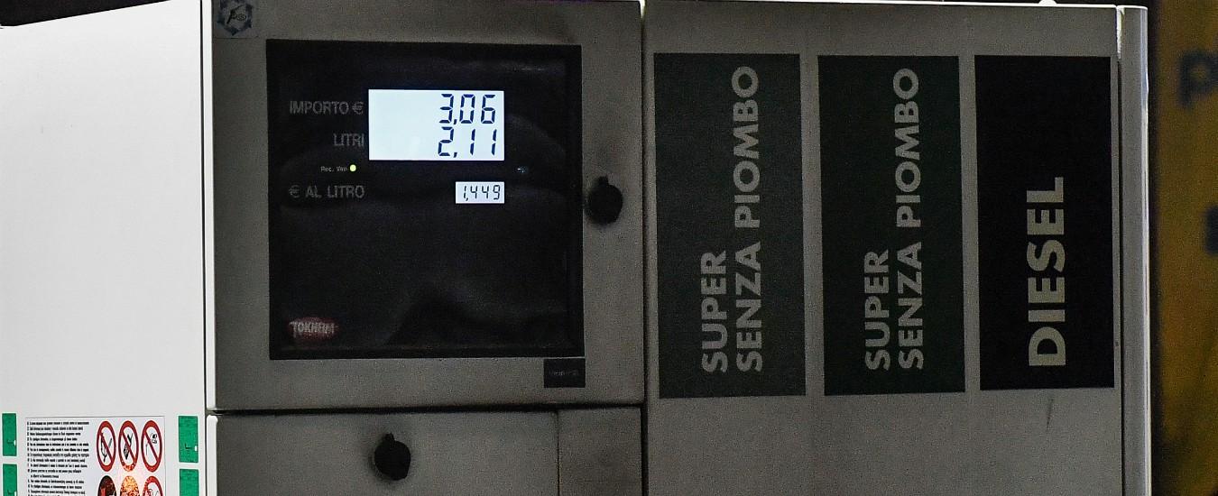 Prezzi benzina: su alcune autostrade si superano i due euro al litro dopo sanzioni Usa all'Iran e tensioni in Libia