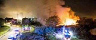 """Roma, incendio in una discarica abusiva sotto sequestro. Il comandante della polizia: """"Incendio doloso"""""""