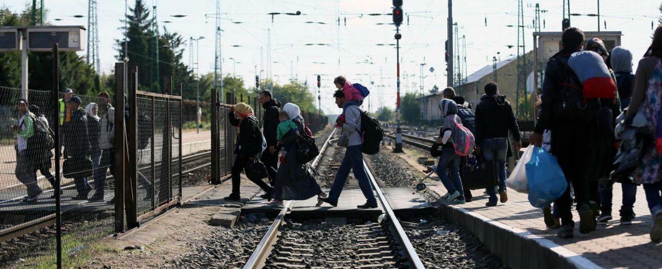 """Migranti, """"il governo dell'Ungheria lascia i migranti senza cibo. Qualcuno non ha mangiato per 5 giorni"""""""