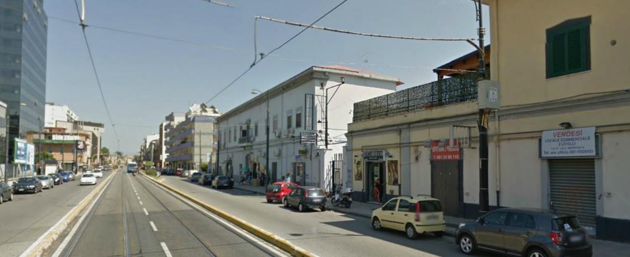 Napoli, commerciante accoltellato alla gola: muore all'ospedale. Fermato il figlio