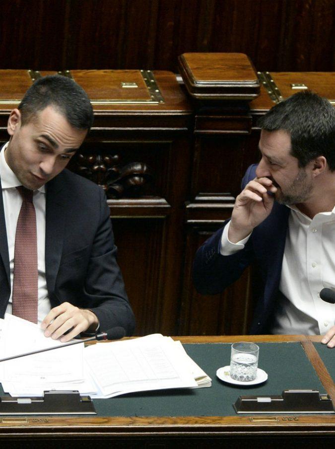 """Luigi Di Maio e Matteo Salvini, è rottura sui social: i due vicepremier si sono """"defollowati"""" a vicenda"""