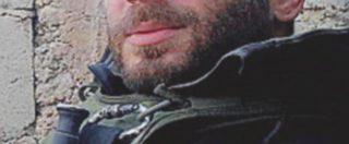 Svastica sulla targa per Orsetti, morto in Siria contro l'Isis