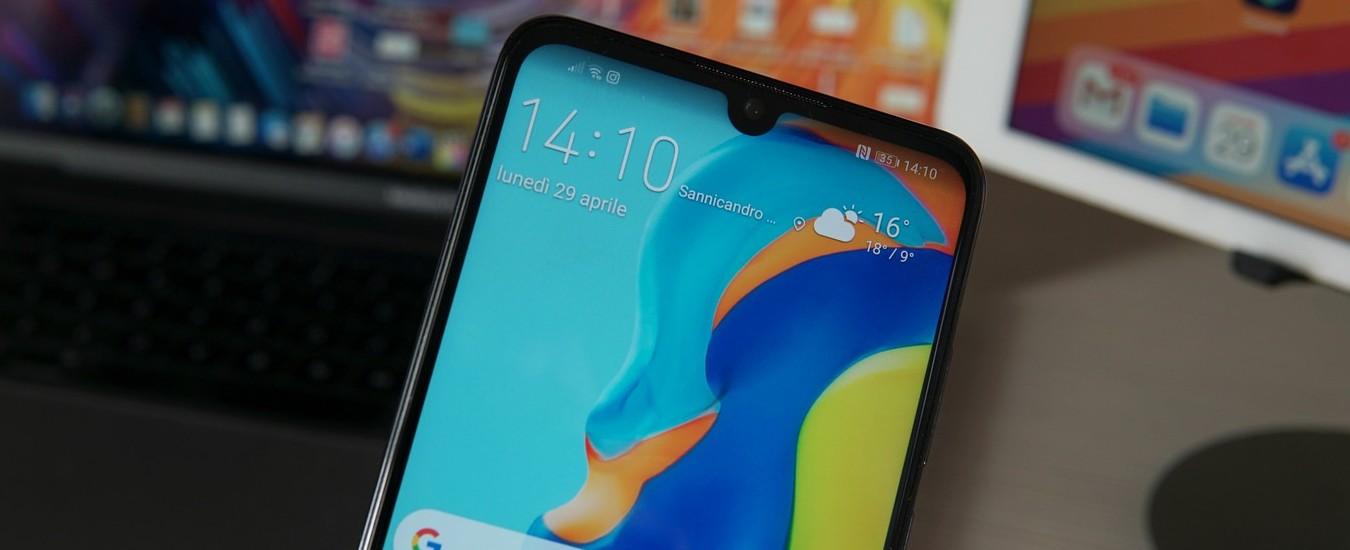 Huawei P30 Lite, uno smartphone di fascia media che scatta buone foto