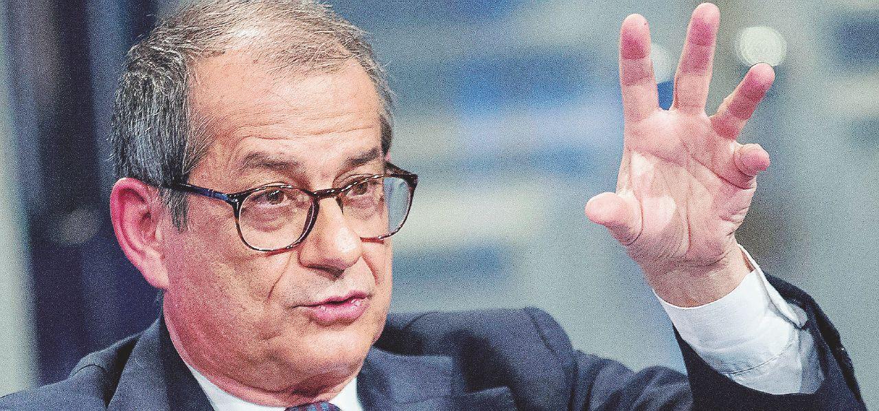 """In Edicola sul Fatto Quotidiano del 30 Aprile: """"Tagli o sale l'Iva. Draghi in Italia può fare grandi cose"""""""