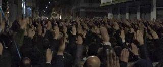 Milano, braccia alzate e saluto romano alla commemorazione per Sergio Ramelli. Due feriti negli scontri