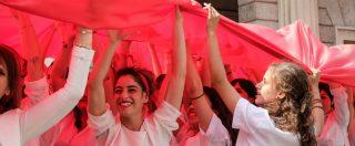 """Istat: """"31,5% delle donne non cerca un lavoro per motivi legati a maternità o cura. Colpa del welfare familista"""""""