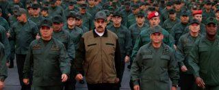 Venezuela, Maduro si mostra con militari. Bolton: 'C'era accordo con forze armate' Vescovo: 'Irruzione di soldati in chiesa'