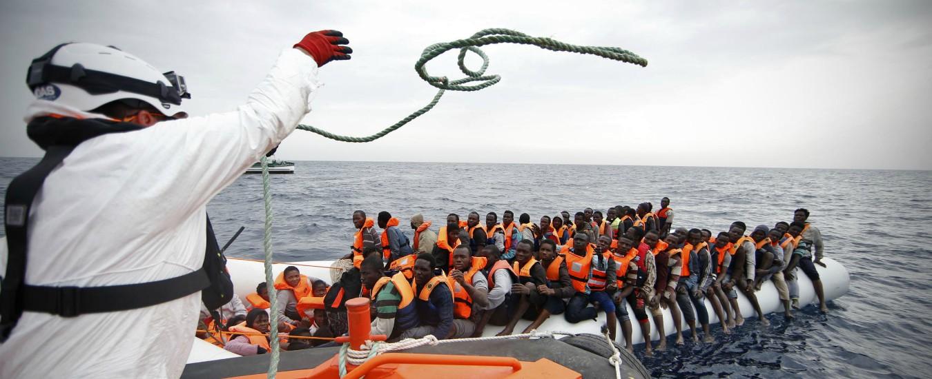 """Migranti, Sea Watch soccorre 52 persone davanti alla Libia. Salvini: """"È pirateria. Grazie a dl Sicurezza bis non entrano"""""""