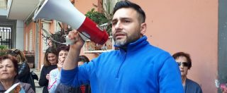 """Casal Bruciato, vicini contro famiglia rom: """"Li vogliamo impiccati, bruciati"""" e """"ti stupro"""". Ma loro: """"Siamo in regola"""""""