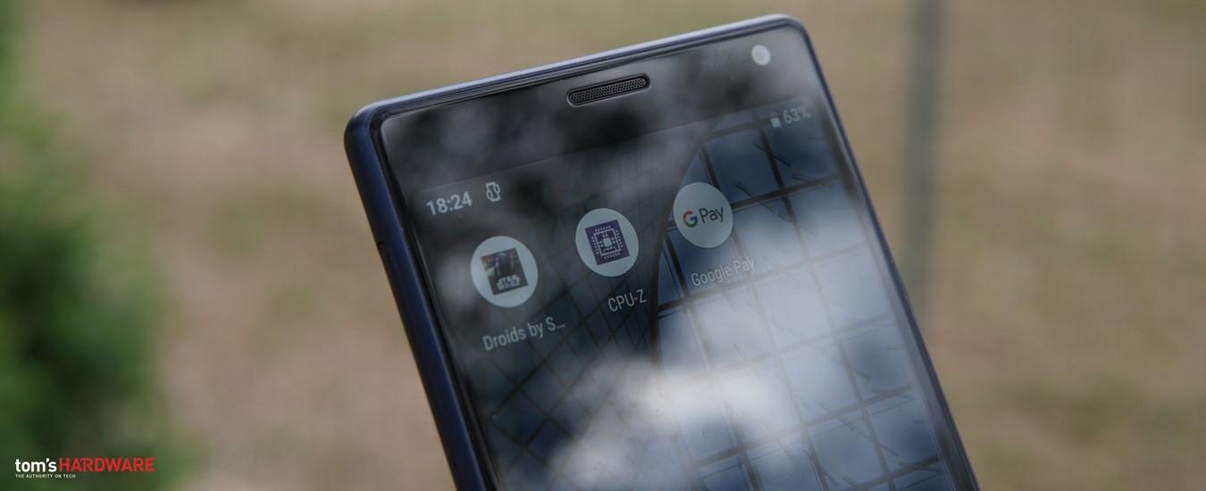 Sony Xperia 10, lo smartphone in 21:9 è comodo da maneggiare, ma non per lo streaming video