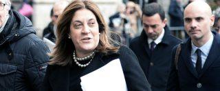 """Sanità Umbria, il Pd salva la governatrice indagata: lei si è già dimessa, ma il partito rinvia il voto. """"Approfondire"""""""