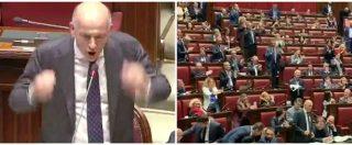 """Siri, il deputato di Forza Italia si scatena: """"Paese in mano alla magistratura. Sveglia, sveglia"""". Applausi dai colleghi"""