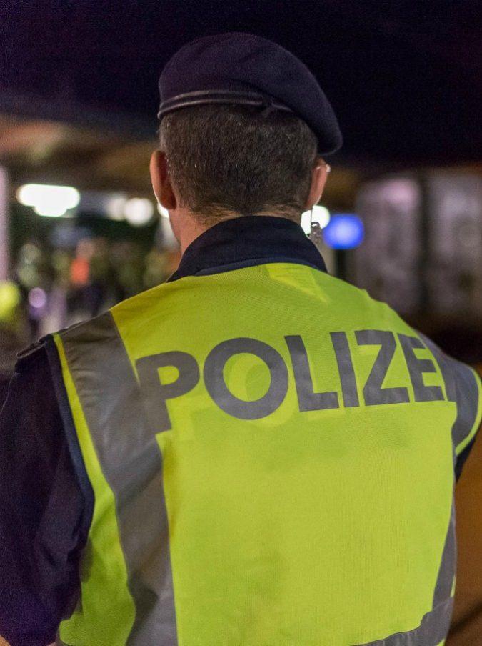 """""""Io pago bene"""": cuoco italiano risponde con Google traduttore alla polizia austriaca e viene denunciato per corruzione"""