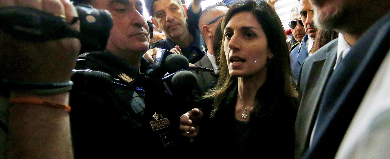 """Casal Bruciato, M5s Roma al fianco di Raggi dopo insulti: """"Battaglia di civiltà"""". Agenzie di stampa: """"Di Maio irritato"""""""