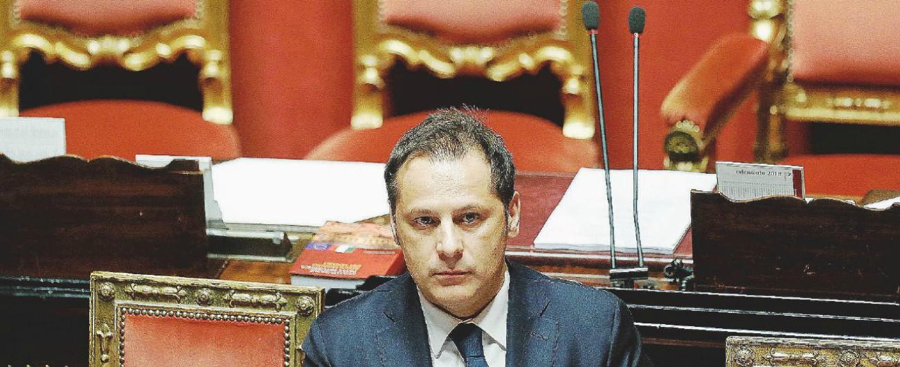 Armando Siri, la procura di Milano ipotizza l'autoriciclaggio per la palazzina comprata con il mutuo da San Marino