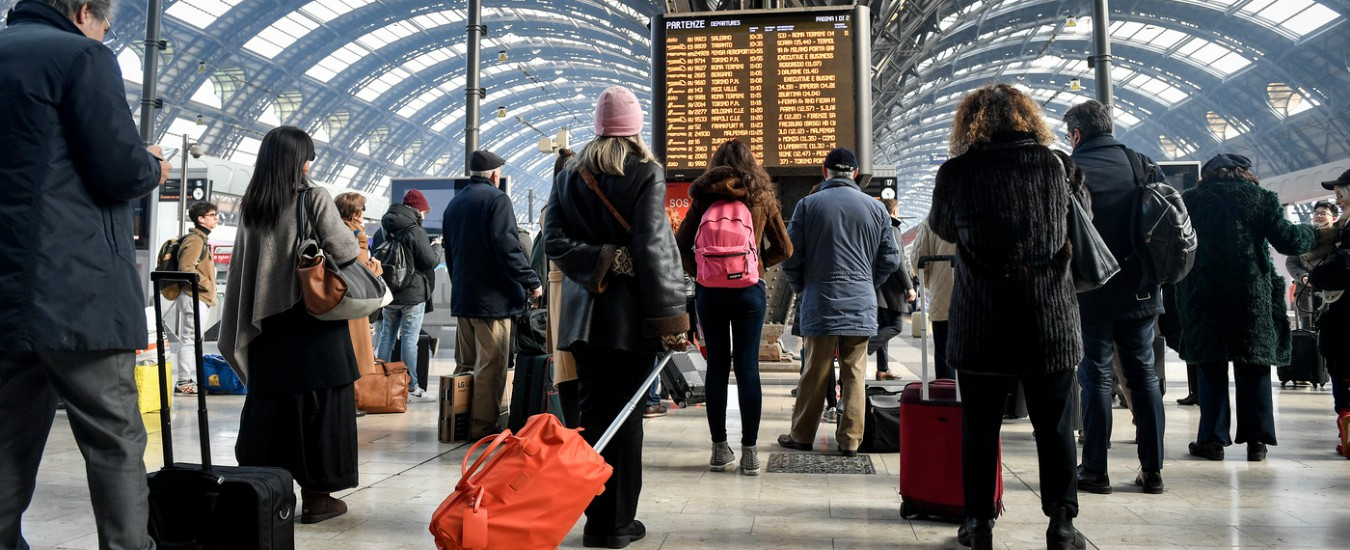 Europee, da Trenitalia ad Alitalia: sconti agli elettori fuori sede su treni, aerei e autostrade