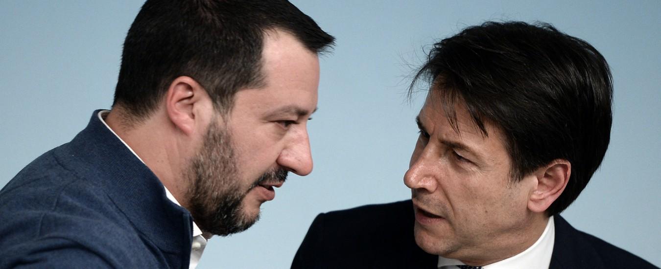 """Conte fa sbarcare i 36 migranti salvati dalla Marina e li ricolloca in Ue. Di Maio: """"Problemi si risolvono senza sbraitare"""""""