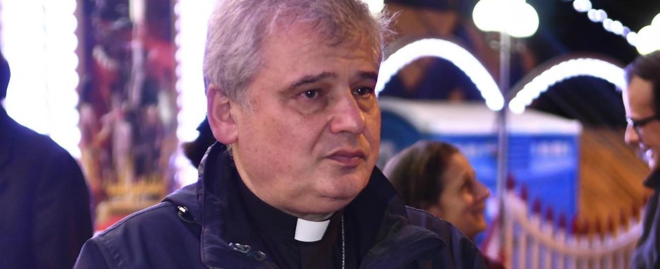 Cardinal Krajewski, chi è l'uomo che ha riattaccato la luce a case occupate: dagli aiuti per Amatrice alle docce per clochard