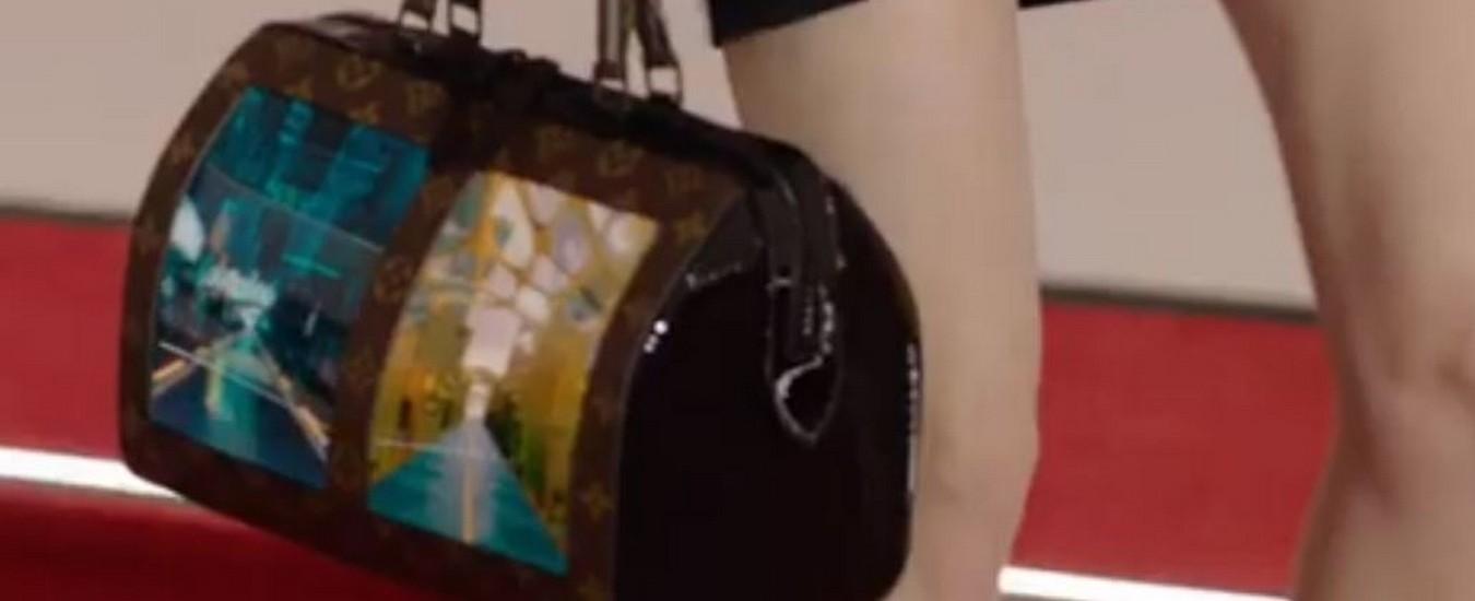 c43cd3e737 Louis Vuitton presenta le borse con schermo flessibile, la tecnologia  incontra la moda