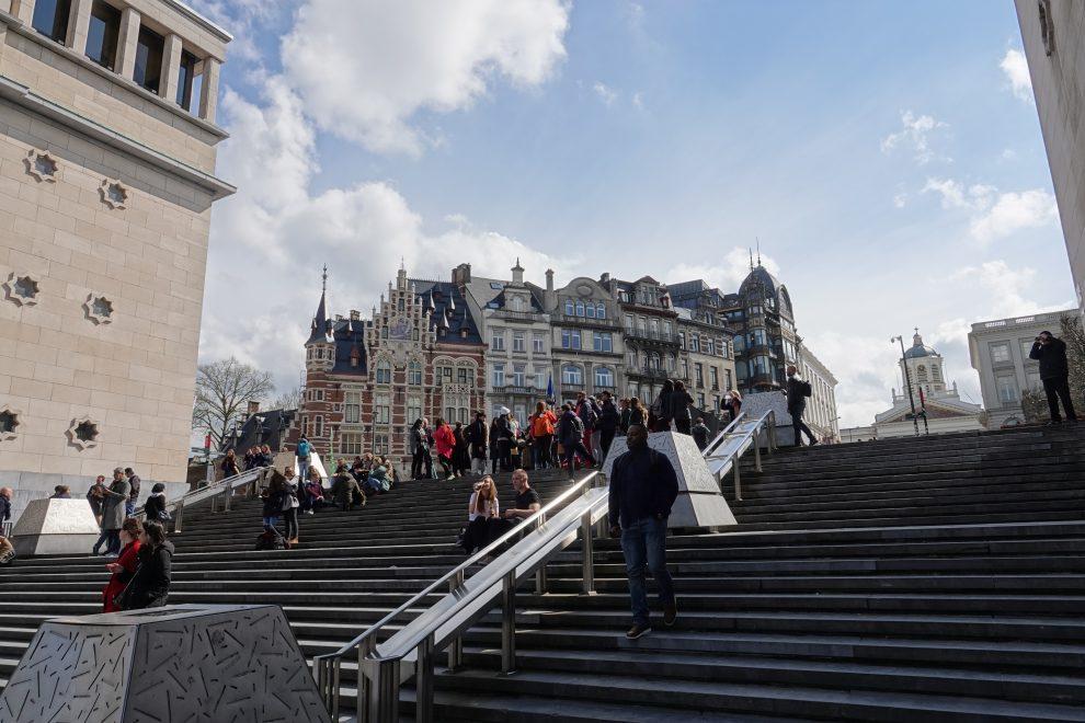 Davanti alla Biblioteca reale del Belgio