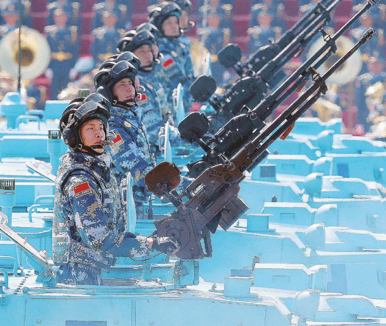 Cina, la nuova Via della Seta apre la strada ai carri armati