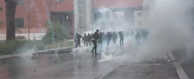 Coppa Italia, scontri prima della finale: polizia carica e spara lacrimogeni. Arrestati 3 ultras biancocelesti