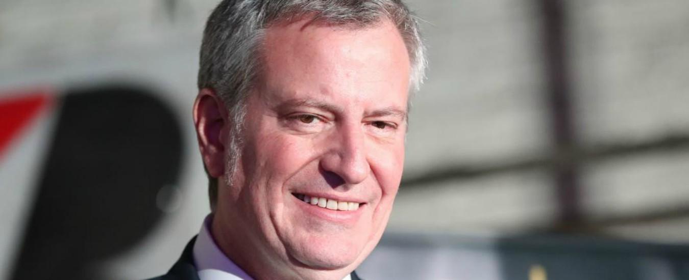 """New York, sindaco Bill de Blasio corre per le presidenziali del 2020: """"Contro ricchi e corporation"""""""